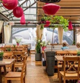 Restauracja Le Scandale, położona w samym sercu krakowskiego Kazimierza to stylowe, przestronne i oryginalnie urządzone wnętrza.