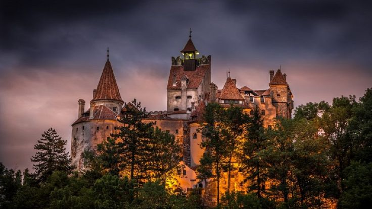 Dracula's Castle Private Tour, Brasov and Rasnov Fortress from Bucharest Travel and discover the legends of Transylvania with a visit to Dracula's Castle (Bran Castle), Brasov and Rasnov Fortresson a small group day tour from Bucharest.Meet your English Speaking Driver in Bucharest, then travel by Citroen Jumpy 7 seater Private Minivan to Transylvania.