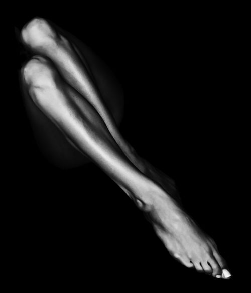 .B W, Legsooh La, Beautiful, Bw Photos, Feet, Human Body, Black White Photos, Nude Photography, Black White Woman