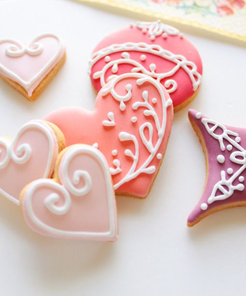 could do a cookie decorating time if we get heart cookies premade at bilo - Decorated Valentine Cookies
