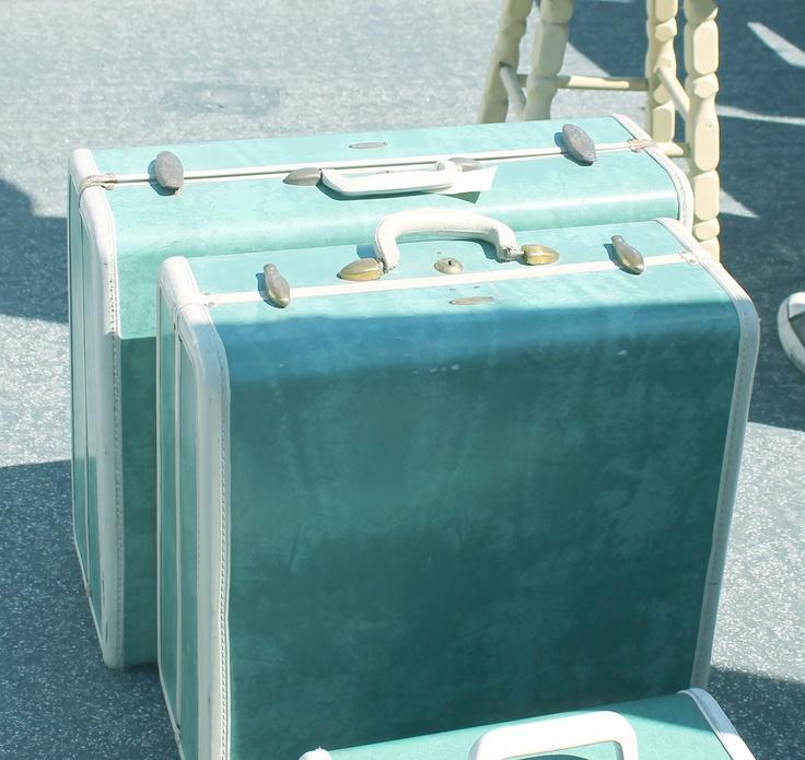 Ep. 3 Rose Bowl/ LA - Vintage Suitcases... our favorite - Rose Bowl Flea Market Finds | #bariii #MyReality