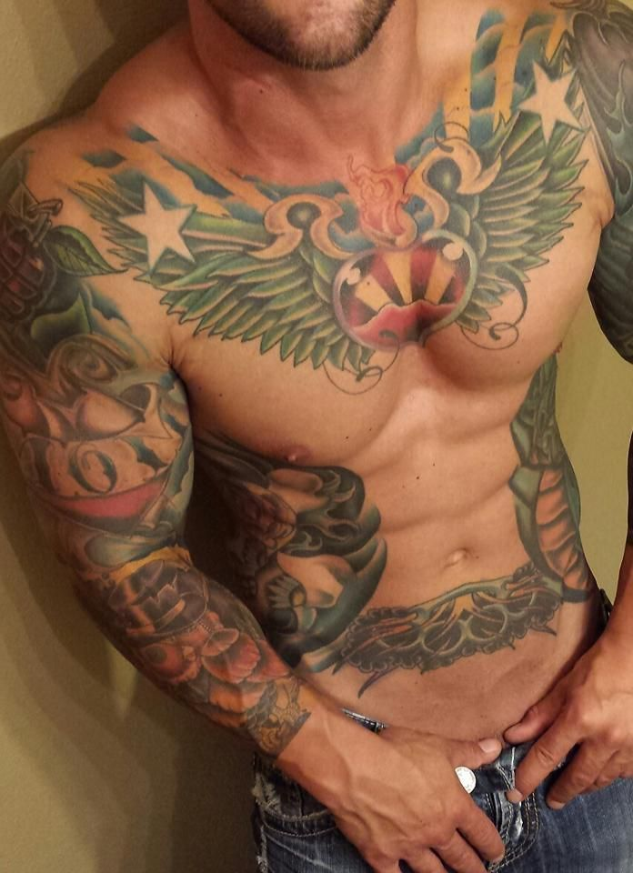 Abs and tattoos...I want him!