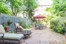 Luxurious Brownstone Bliss Brooklyn - Apartments for Rent in New York