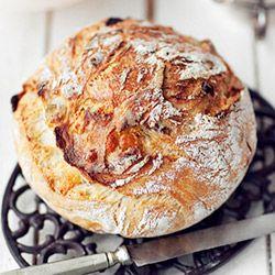 Chleb z grubą i chrupiącą skórką