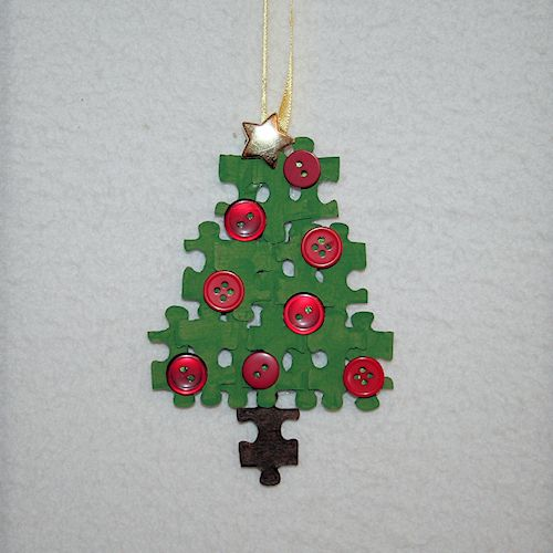 Puzzle Piece Christmas Tree Ornament: How to Make a Christmas Tree Using Puzzle Pieces