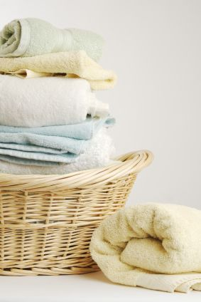 Fresh, Clean Laundry: Homemade Cleaning, Favorite Things, Laundry Tips, Lilac, Diy Cleaning, Cleaning Laundry, Towels