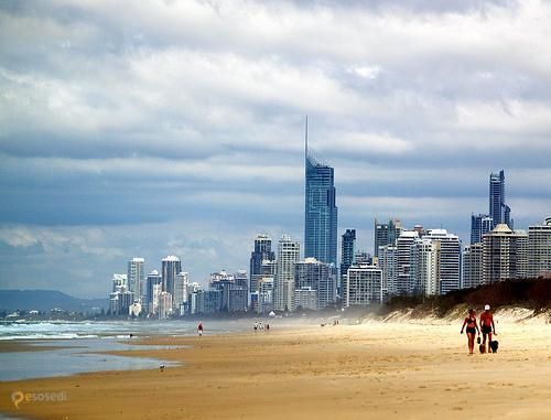Q1 Tower (Queensland Number One) – #Австралия #Квинсленд (#AU_QLD) Q1 - самое высокое здание Австралии.  ↳ http://ru.esosedi.org/AU/QLD/1000118373/q1_tower_queensland_number_one_/