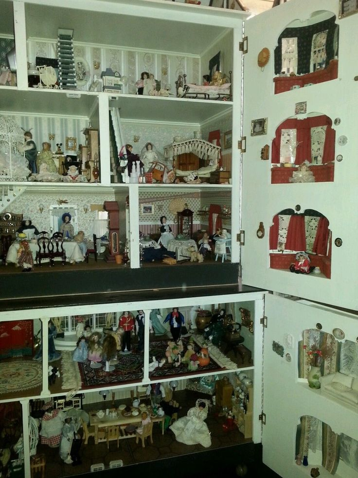 Very large wooden dolls house | eBay