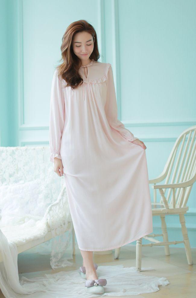 2016New Fashion Long Sleeve Nightgown Vintage Princess Dress Female Sleepwear…