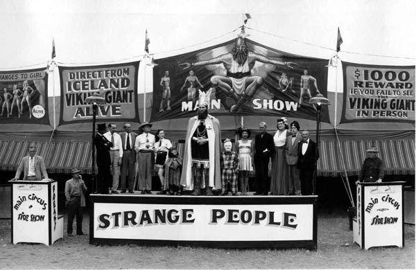 http://mimiberlinblog.wordpress.com/2011/08/26/circus-side-show/  Hagenbeck-Wallace Circus, 1932 Photo by Kelty, Edward J. American (1888-1967) (via geh.org)