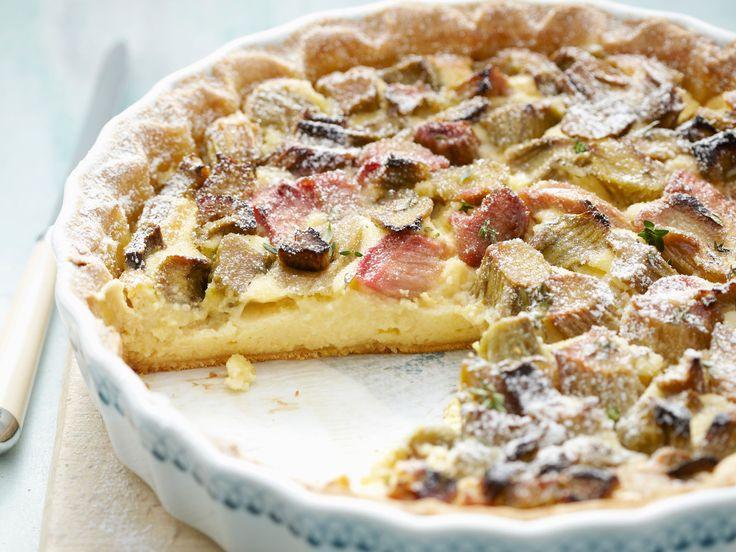 Découvrez la recette Tarte à la rhubarbe Thermomix sur cuisineactuelle.fr.