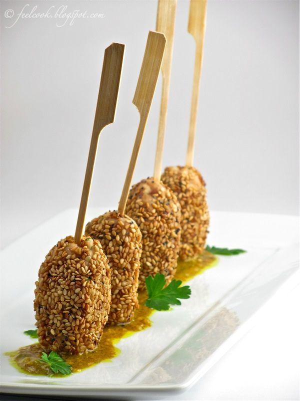 Mini kebab di pollo al sesamo