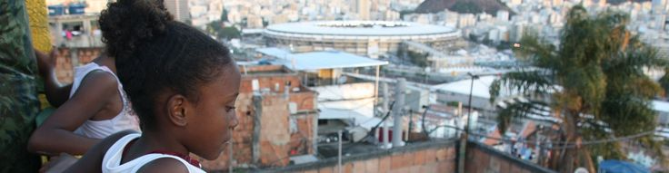 Live aus der Favela: Wir verfolgen den Wandel der brasilianischen Armenviertel vor den Mega-Events WM 2014 und Olympia 2016 seit einigen Jahren und leben selbst immer wieder in der Favela Rocinha, Rios größter Favela. Mit Eurer Unterstützung wollen wir nach der WM, wenn die meisten Journalisten wieder abgereist sind, weiter zeigen, was geschieht. Aus den Stimmen der Favelabewohner und unseren Langzeitbeobachtungen soll eine Doku entstehen: https://www.startnext.de/live-aus-der-favela