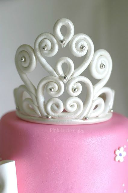 Pink Little Cake: How to make a tiara for a Princess cake