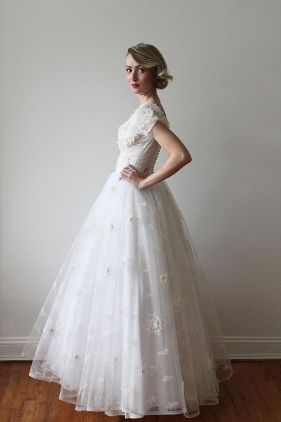 Reserved Vintage 1950s Short Sleeved Tulle Wedding Dress With
