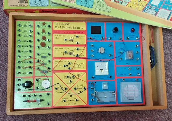 Vintage Science Fair 65 in 1 Electronic Project Kit 70's