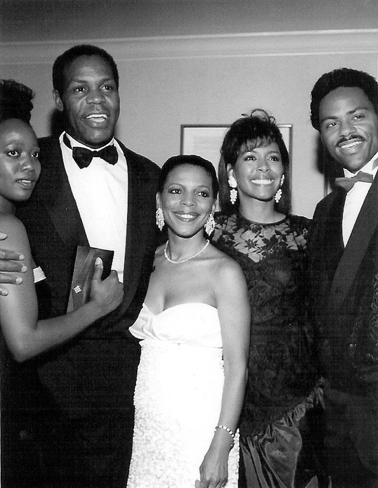 Alfre Woodard, Danny Glover, Rosalind Cash, Actors Denise Gordy with then husband, Richard Lawson