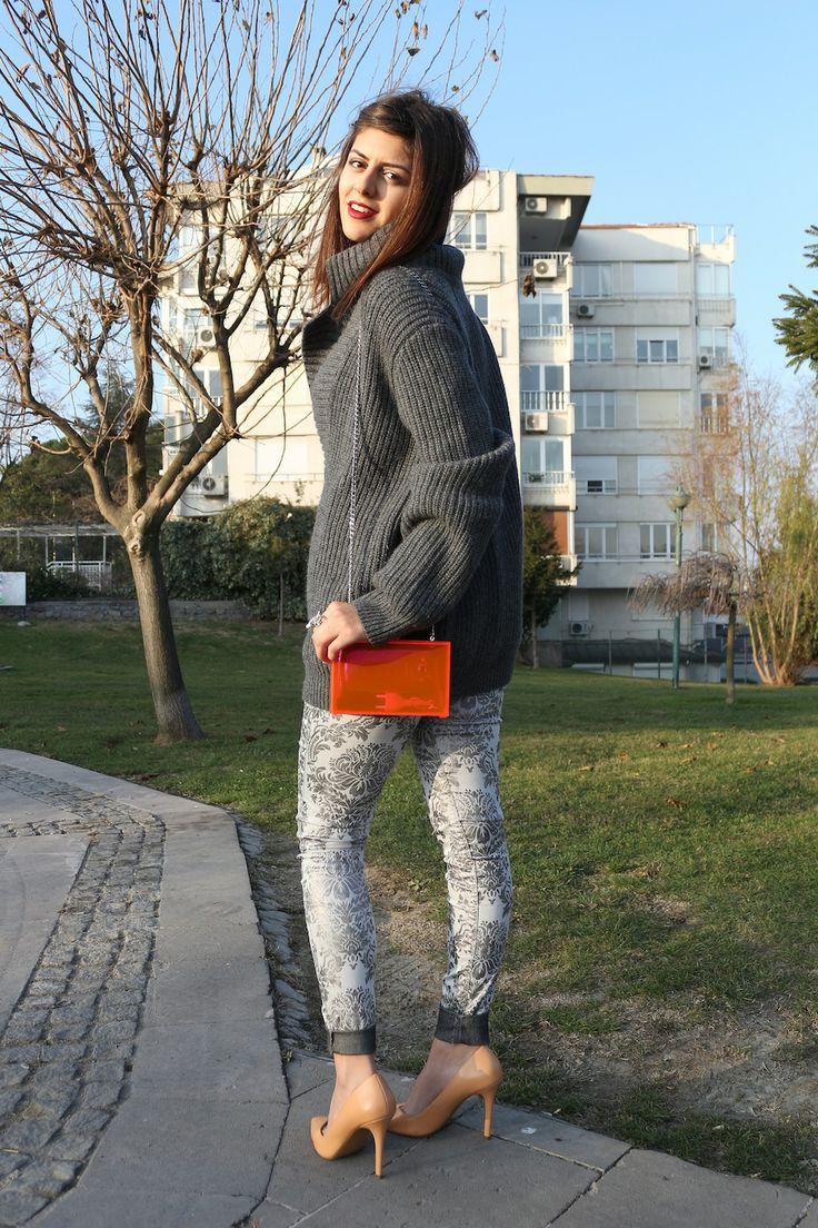 Ezgi Kırmızı: With the Stilettos in Town