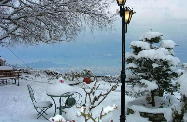 VISIT GREECE| Makrinitsa, Christmas 2012 #snow