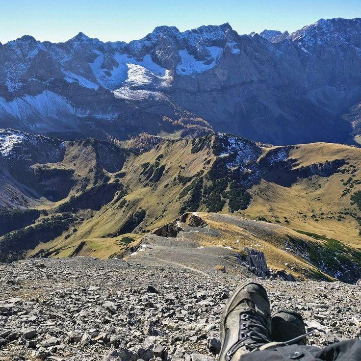 come away with me  . #natureknowsbest #wandern #berge #mountains #naszlaku #terazwgórach#hiking #instanature #earthcapture #ontopoftheworld #comeawaywithme #pommepomme #tirol #karwendel