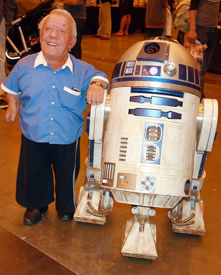 """Kenny Baker: Actor (Aug. 24, 1934–Aug. 13, 2016) """"There are not very many opportunities for little people in the industry. There are small parts and character parts, but we don't get the girl-at-the-end-of-the-film kind of parts…but I was quite happy with what I was doing."""" —Kenny Baker"""