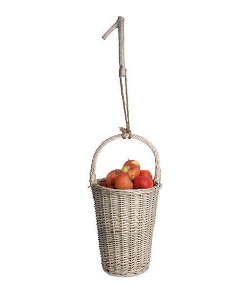 Vesszőből fonott, felakasztható, szürke színű gyümölcsszedő illetve tartó…