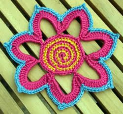 FREE pattern for this delicious flower, thanks so for sharin' xox