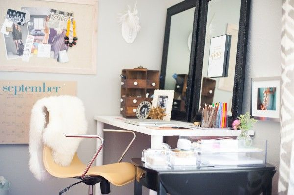 Office Tour With Katie Anderson of Modern Eve (Photography by Matt and Julie Weddings)| theglitterguide.com