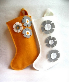 I Could Make This...  Using the Stampin' Up Stocking Die...  It Would Make it Soooo Easy!!