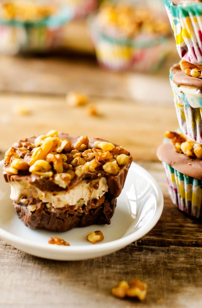 Vegan Chocolate & Salted Caramel Frozen Cupcakes - These frozen cupcakes are so delicious. Seriously my favorite dessert ever. Hard to believe they are vegan and gluten free. - WendyPolisi.com