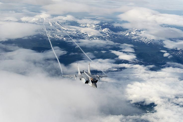 15 photos of the MiG-31, the Russian fighter jet that can chase away SR-71 Blackbirds  -  September 5, 2017: It has a top speed of Mach 3, and can hit Mach 1.23 at low altitudes.