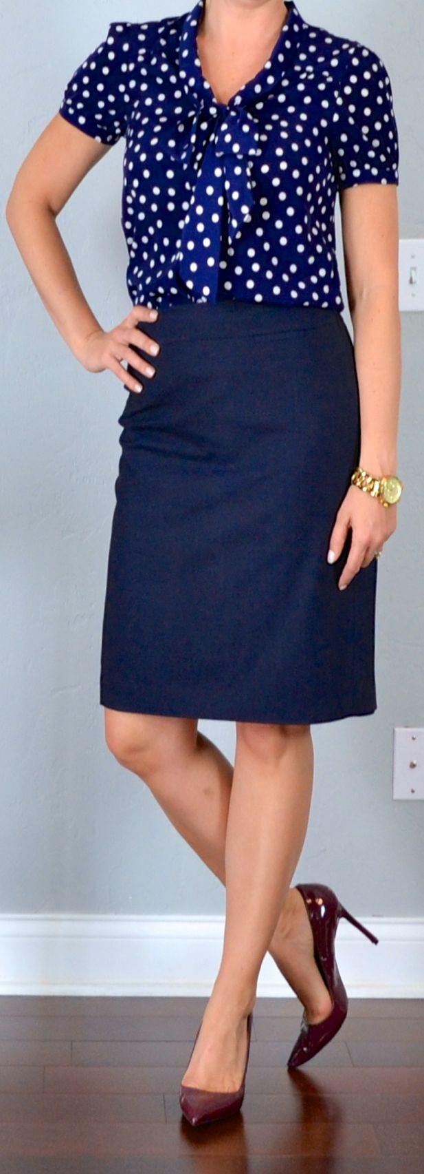 Best 25  Navy pencil skirts ideas on Pinterest | Navy skirt outfit ...