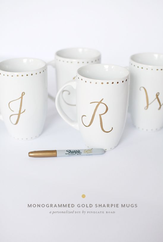 DIY | monogrammed gold sharpie mugs, great gift for a friend with a coffee addiction!