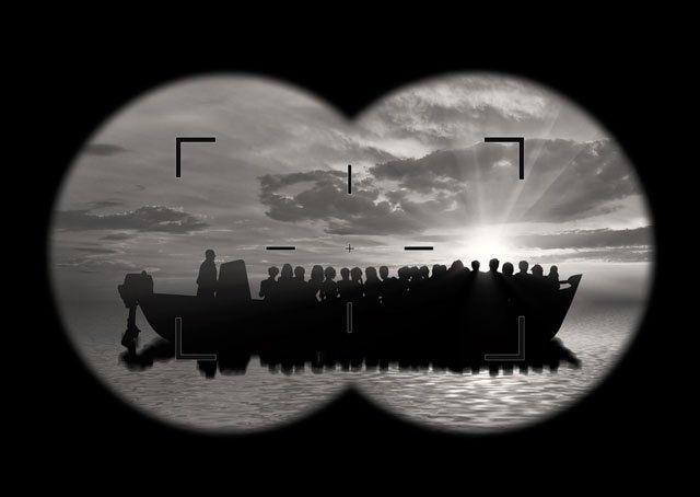 Deutsche und internationale Hilfsorganisationen sollen massenhaft Menschenschmuggel betreiben, behauptet die sich als Denkfabrik bezeichnende Organisation GEFIRA unter Berufung auf die von marinetr…