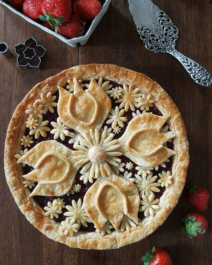 Crust flower designs for pretty pies