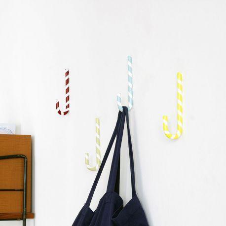 die besten 17 ideen zu garderobenhaken design auf. Black Bedroom Furniture Sets. Home Design Ideas