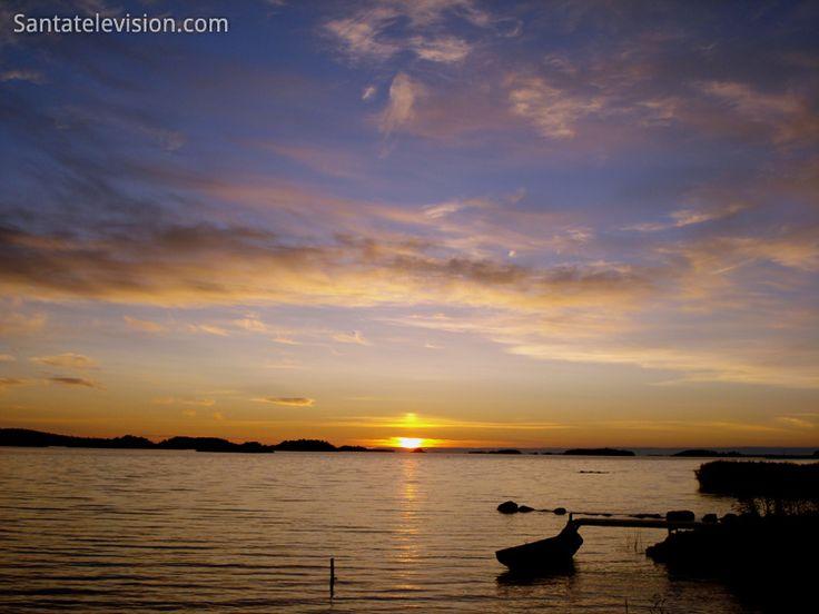 Tramonto sull'arcipelago in Lapponia