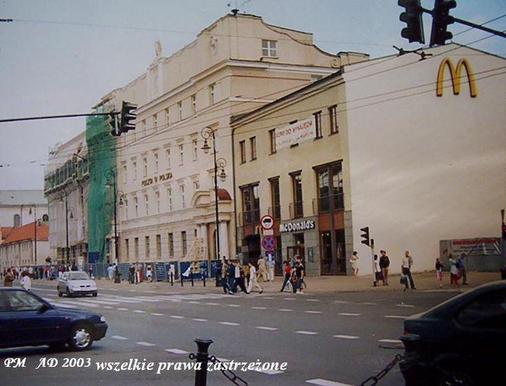 Krakowskie Przedmieście, bez narożnego domu, 2003 r. źródło; pawelM
