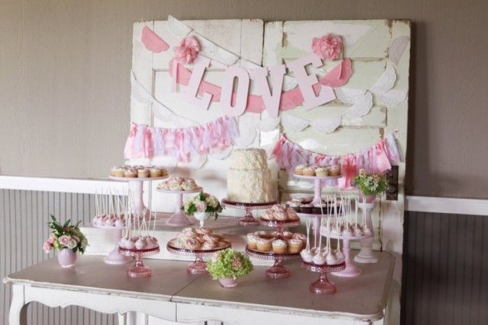 Sweetheart Pink Dessert Table http://jennycookies.com/blog/page/3/