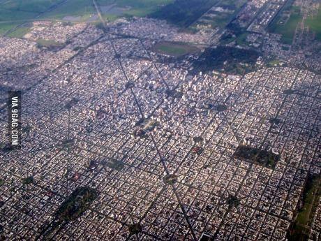La Plata, everyone. There's a green area every 6 blocks