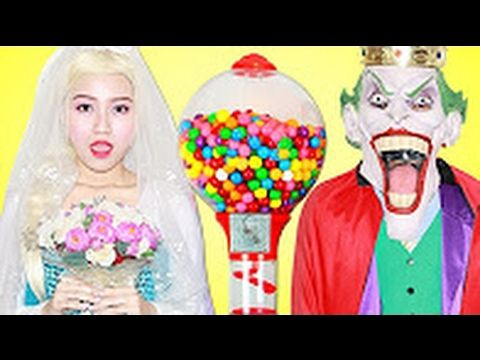 Spiderman Frozen Elsa & Anna | joker Fun Gumball Machine Batman Anna Dan...