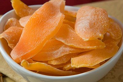 Dried Mango https://pinoycook.wordpress.com/2013/12/10/dried-mango-recipe/