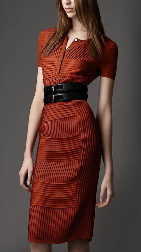 Burberry - PIN TUCK SILK DRESS