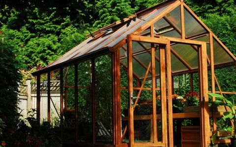 Inexpensive Greenhouse - Woodwork City Free Woodworking Plans