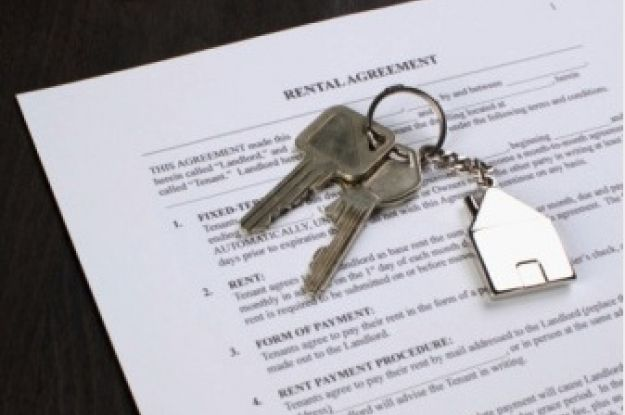 Qué debe contener un contrato de arrendamiento