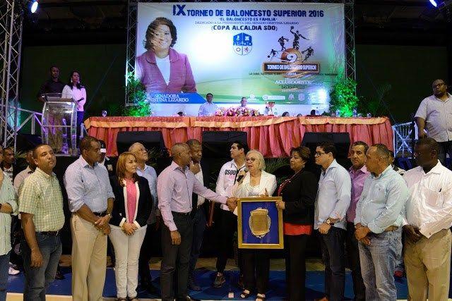 Inauguran 9no Torneo de Baloncesto Superior de SDO dedicado a Cristina Lizardo