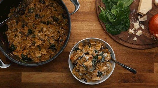 E não usar o melhor tipo de massa para receitas de uma panela só. | 12 erros comuns que as pessoas cometem ao preparar macarrão