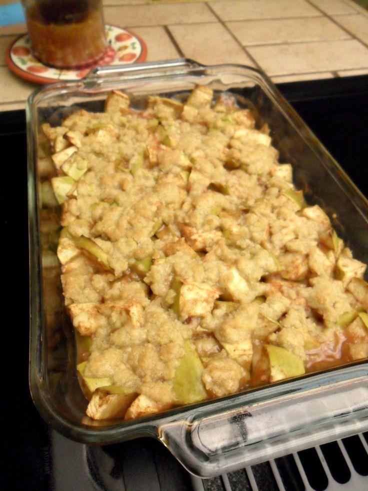 Easy Thanksgiving Dessert from Hungry Gator Gal: Apple Cider Crisp