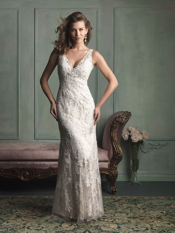 Romantic Lace Appliques V-neck and V-back Floor Length Wedding Dresses