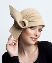 Elegant hat. http://annagoesshopping.com/womenshats